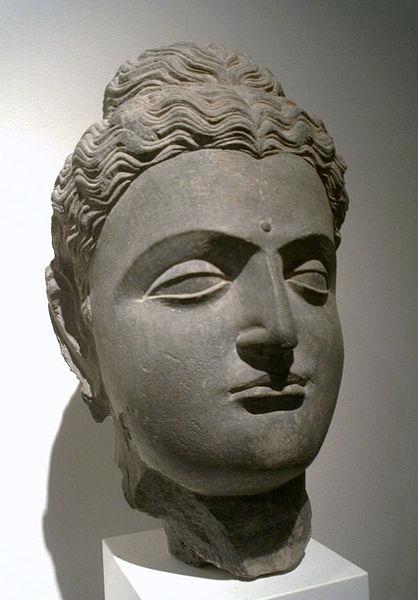 418px-BuddhaHead